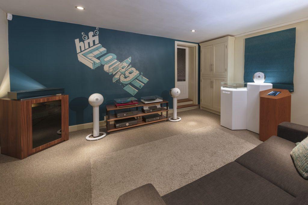 2 Ent Room