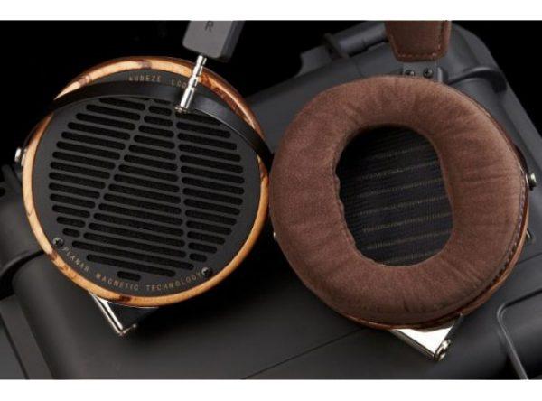 Audeze LCD 3 Headphones 675x500 10