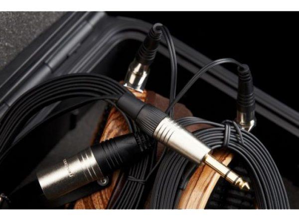 Audeze LCD 3 Headphones 675x500 11