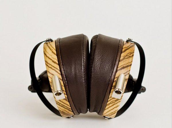 Audeze LCD 3 Headphones 675x500 17
