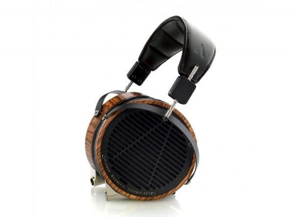 Audeze LCD 3 Headphones 675x500 2