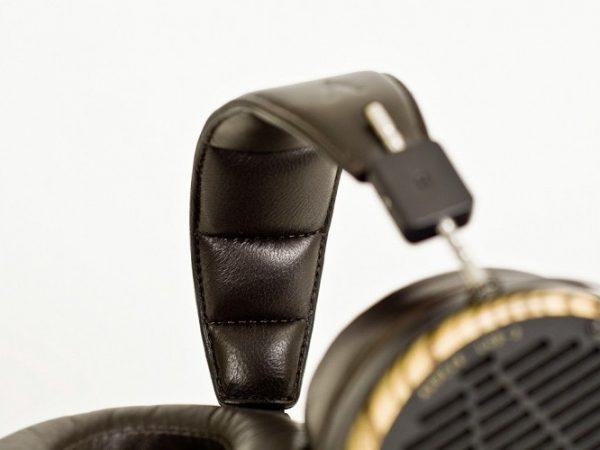 Audeze LCD 3 Headphones 675x500 20