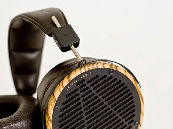 Audeze LCD 3 Headphones 675x500 21