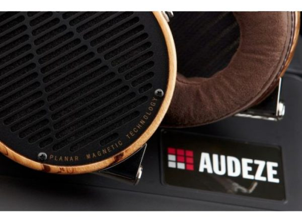 Audeze LCD 3 Headphones 675x500 7