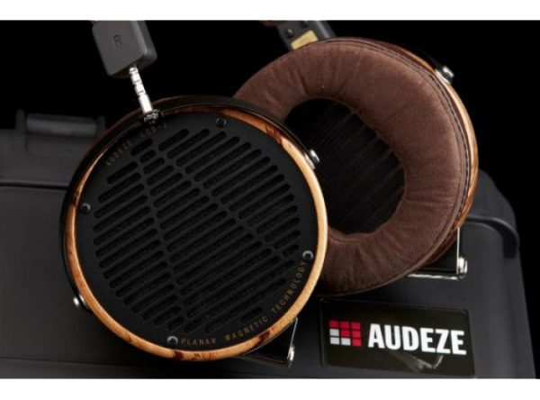Audeze LCD 3 Headphones 675x500 8