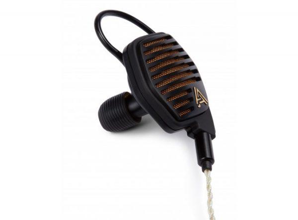 Audeze LCDi4 In Ear Headphone 675x500 1