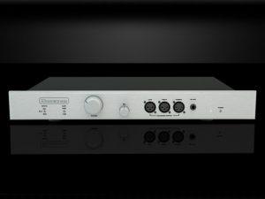 Bryston BHA 1 Balanced Headphone Amplifier 675x500 2