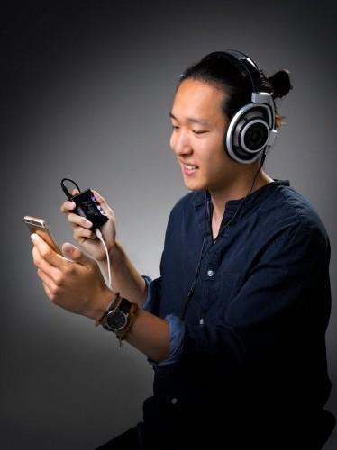 Chord Electronics Mojo Mobile DAC Headphone Amplifier 1