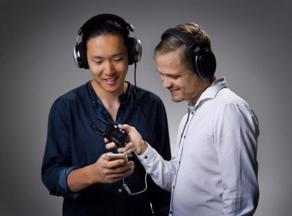 Chord Electronics Mojo Mobile DAC Headphone Amplifier 10