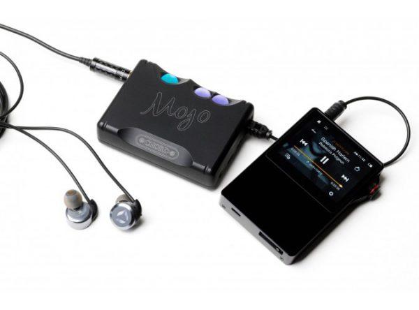 Chord Electronics Mojo Mobile DAC Headphone Amplifier 11