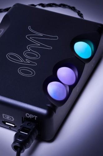 Chord Electronics Mojo Mobile DAC Headphone Amplifier 9