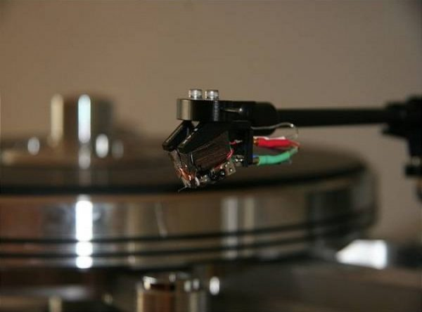 Dynavector DRT XV 1s Mono Moving Coil Cartridge 2