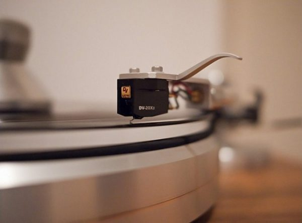 Dynavector DV 20X2 High Low Output Moving Coil Cartridge 2