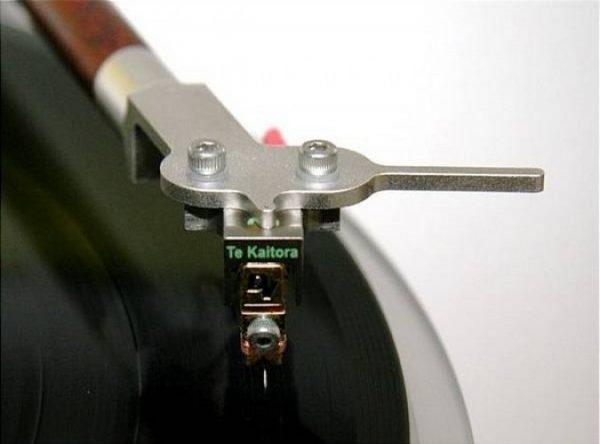 Dynavector Te Kaitora Rua Moving Coil Cartridge 1