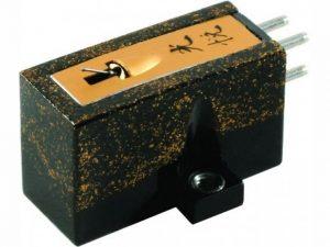Koetsu Urushi Black Moving Coil Cartridge 3
