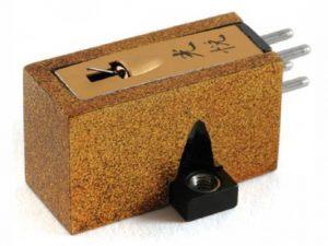 Koetsu Urushi Gold Moving Coil Cartridge 3