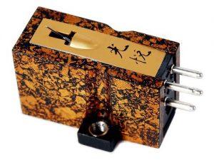 Koetsu Urushi Wajima Moving Coil Cartridge 2