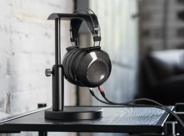 MrSpeakers ETHER C Flow Headphones 1