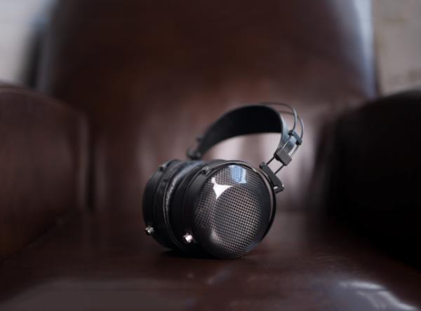 MrSpeakers ETHER C Flow Headphones 2