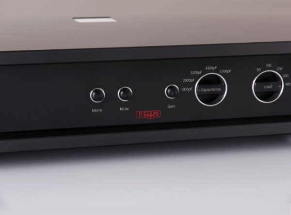 Rega Aura Reference Moving Coil Phono Stage 11
