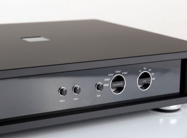 Rega Aura Reference Moving Coil Phono Stage 2